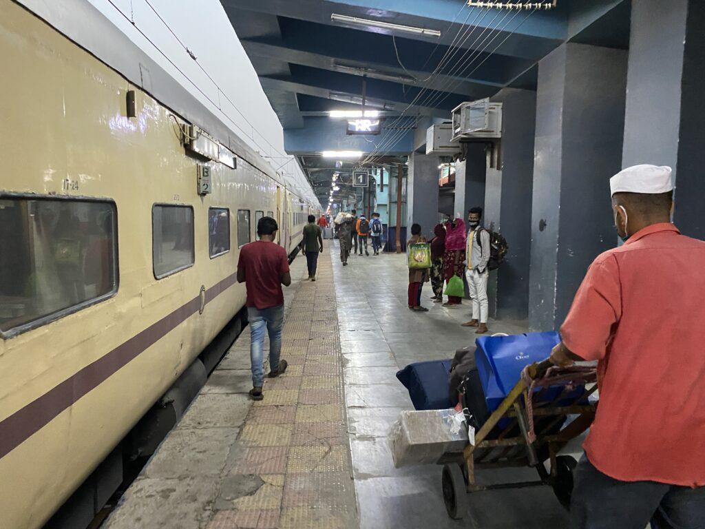 Porter at Bandra Terminus (railway station)