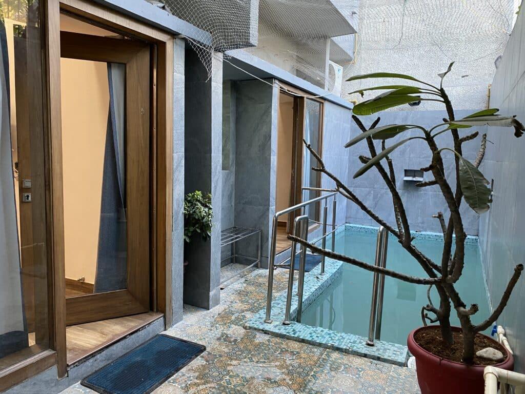 Gogia Residence swimming pool