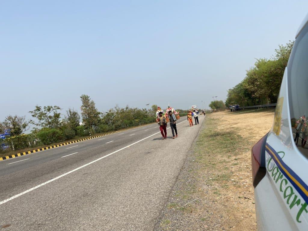 Pilgrims walking hundreds of kilometres back home